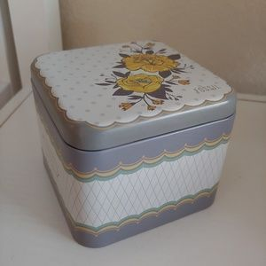 Other - Fossil Vintage Tin